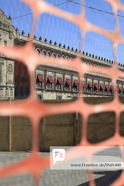 Großstadt,Palast,Schloß,Schlösser,Zaun,Mexiko,Ansicht