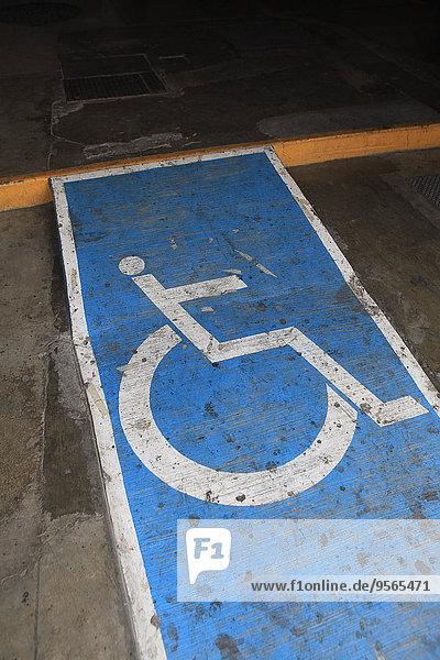 Rampe,hoch,oben,Ansicht,Flachwinkelansicht,Winkel,Rollstuhl