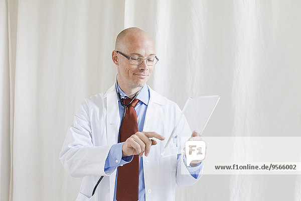berühren,Zukunft,Arzt,Krankenhaus,Tablet PC