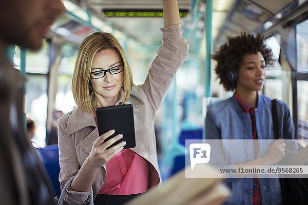 benutzen,Geschäftsfrau,Tablet PC,Zug