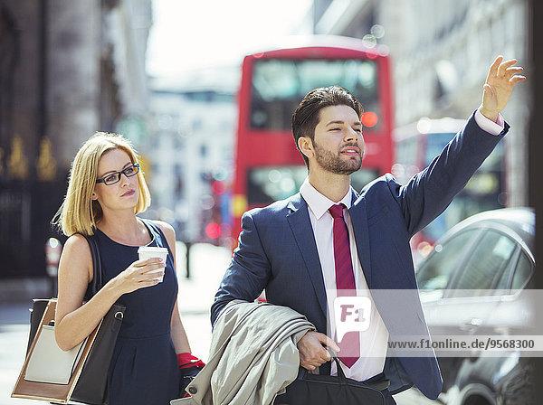 Mensch,Menschen,Großstadt,Taxi,Business,herbeiwinken