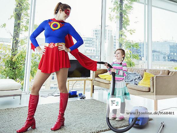 Zimmer,Superheld,Staubsauger,Tochter,Wohnzimmer
