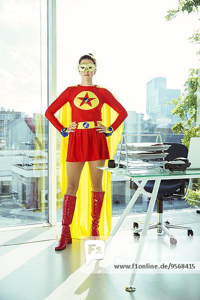 stehend,Superheld,Büro