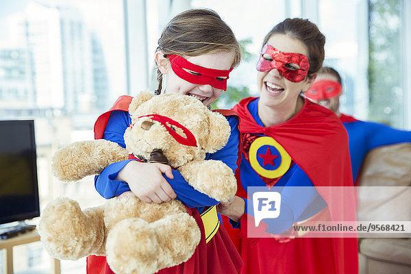 Superheld,Teddy,Teddybär,Tochter,Mutter - Mensch,spielen