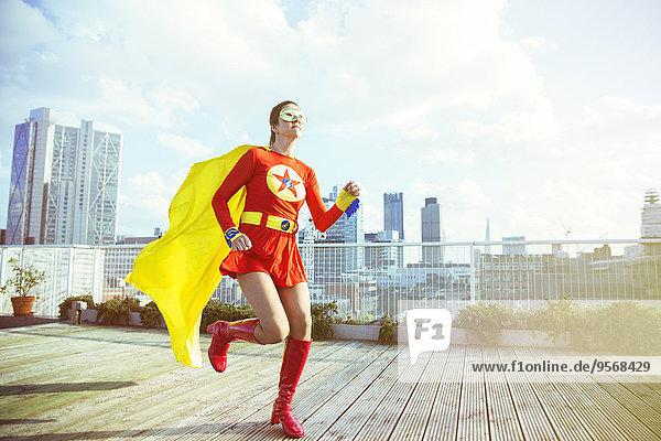 Dach,Superheld,rennen,Großstadt