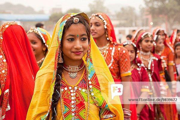 Ich suche indische frauen für geschiedene männer