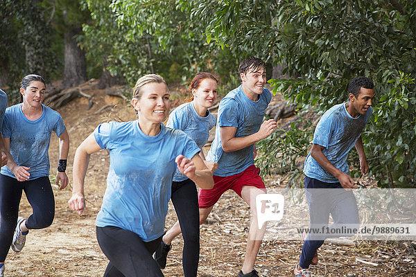 Teamwork,Sperre,lächeln,rennen,Stiefel,camping,Kurs