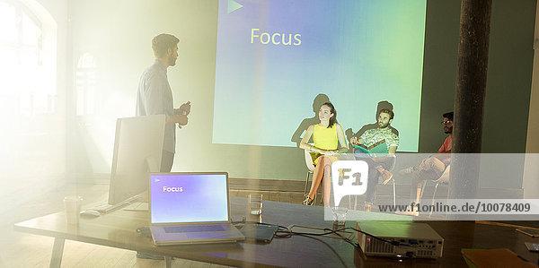 zeigen,Mensch,Fokus,Menschen,Vorbereitung,Geräusch,Business