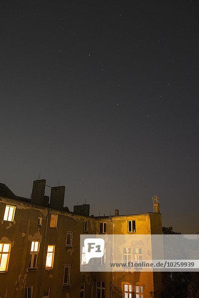 beleuchtet,Nacht,Gebäude,Nachbarschaft