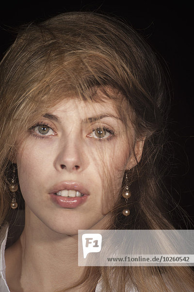 junge Frau,junge Frauen,Portrait,schwarz,Hintergrund,Close-up,Sinnlichkeit