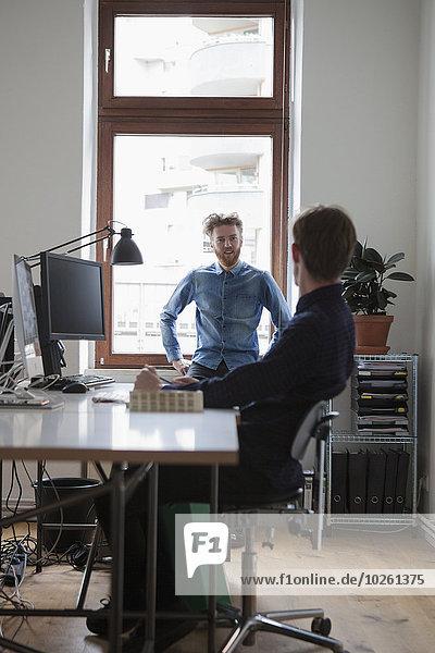 Kommunikation,Geschäftsmann,Büro