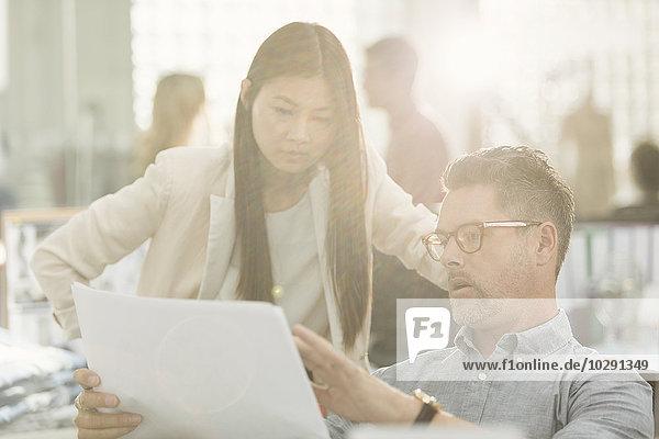 Mensch,Diskussion,Büro,Menschen,Business,Schreibarbeit