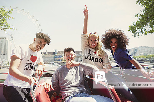 Portrait,Freundschaft,Begeisterung,Großbritannien,Omnibus