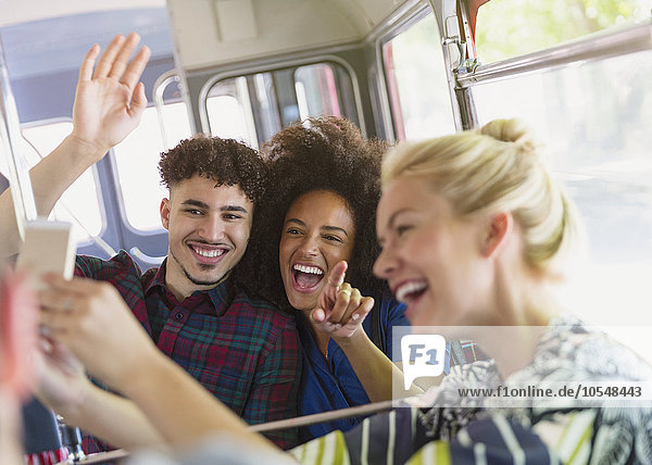 Freundschaft,nehmen,Begeisterung,Omnibus