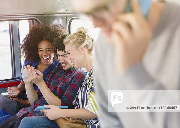 Handy,Freundschaft,Kurznachricht,Omnibus