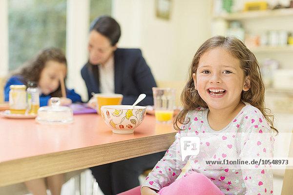 Portrait,Begeisterung,Mädchen,Tisch,Frühstück