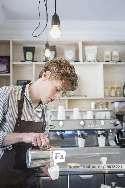 Produktion,Laden,barista,Kaffee,Cappuccino