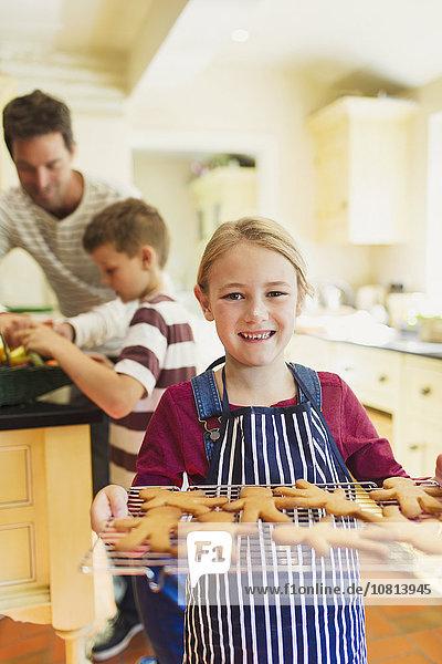 Wäscheständer,Portrait,lächeln,halten,Lebkuchen,Keks,Mädchen