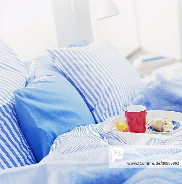 Bauwerk,Bett,Bettdecke,Bettwäsche,blau,Decke
