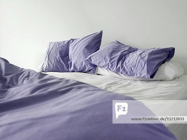 Beleuchtung,Bett,Bettdecke,Bettlaken,Bettwäsche,Blume