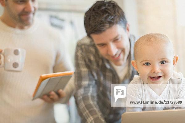 1,Ansicht,Anzahl,Baby,Begeisterung,benutzen