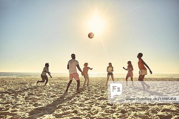 Afrikaner,Afroamerikaner,Ansicht,Außenaufnahme,Ball,Ball Spielzeug