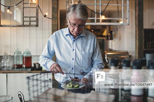 1,60 bis 70 Jahre,60-70 Jahre,70 bis 80 Jahre,70-80 Jahre,Abendessen