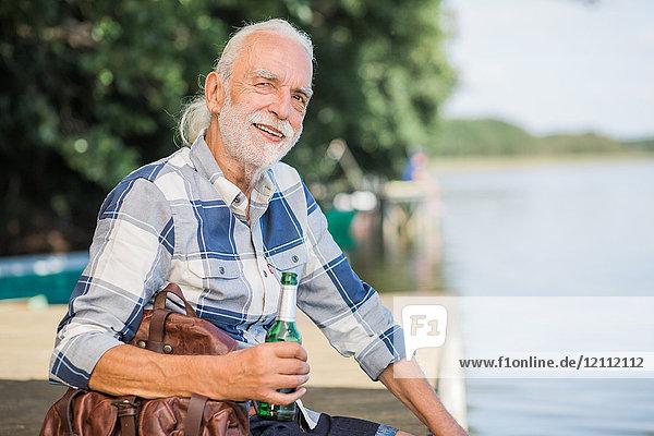 Senior am Seddiner See, Brandenburg, Deutschland, Europa
