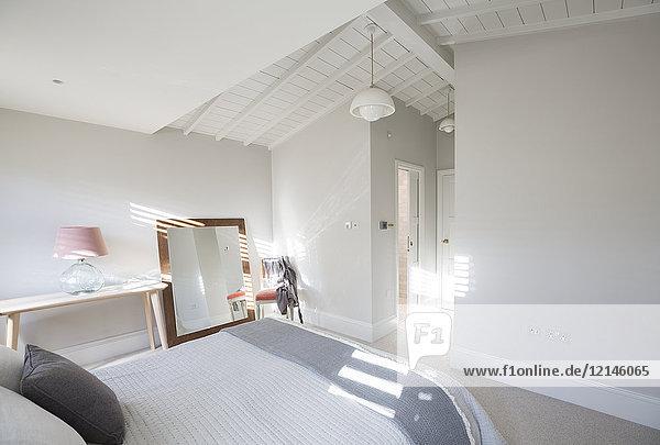 Abwesenheit,Architektur,Decke,Einfachheit,Farbe,Fotografie