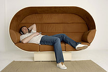 Mann ,Entspannung ,Überprüfung ,Couch ,Kopfhörer