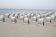 Wicker Liegestühle am Strand, Goehren, Rügen, Mecklenburg-Vorpommern Deutschland