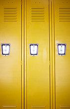 gelb,Schule (Einrichtung),Kabine,3