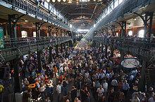 Tanz und Unterhaltung auf dem Sonntags Fischmarkt, St Pauli, Hamburg, Deutschland