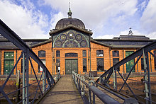 Veranstaltungszentrum ehemalige alte Fischauktionshalle, Zugang vom Schiffsanleger Altona Fischmarkt, Hafen, Hamburg, Deutschland, Europa