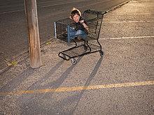 benutzen ,Junge - Person ,Verkehr ,Fuhrwerk ,kaufen