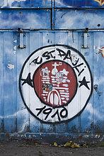 St. Pauli-Graffiti an einem Container vor dem Millerntor-Stadion, Fußballverein, Hamburg, Deutschland, Europa