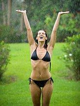 stehend ,Frau ,heben ,Regen ,Erwachsener