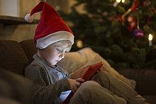 benutzen,Computer,Junge - Person,Hut,Tablet PC