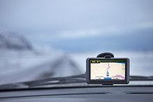 Allgemeinarzt ,Winter ,Auto ,Navigation ,Island ,GPS