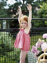stehend ,Balkon ,Mädchen