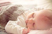 Junge - Person,schlafen,2,Baby,Gitterbett,Monat,alt