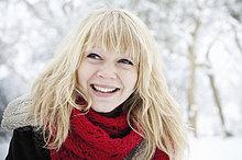 junge Frau,junge Frauen,blond,Haar,Schnee