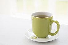Studioaufnahme ,Tasse ,Becher ,grün ,Espressotasse ,Untertasse ,Tee