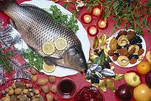 Karpfen,Cyprinus carpio,Frucht,Weihnachten,Zutat,Nuss,Karpfen