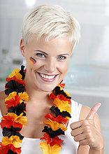 Weiblicher deutscher Fußballfan, Portrait
