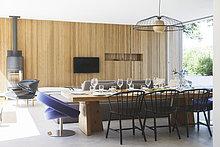 Couch,am Tisch essen,Zimmer,offen,Fernsehen,Wohnzimmer,Esstisch