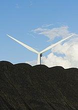 Windturbine,Windrad,Windräder,hinter,Haufen,warten,verbrannt,Entdeckung,nähern,Kohle,Stärke,Haltestelle,Haltepunkt,Station