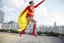 Dach,Superheld,Großstadt,springen