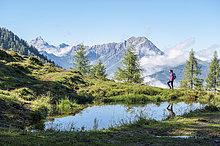junge Frau,junge Frauen,Berg,wandern,Land Salzburg