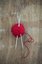Holz,rot,Ball Spielzeug,Nähnadel,Nadel,stricken,Wolle